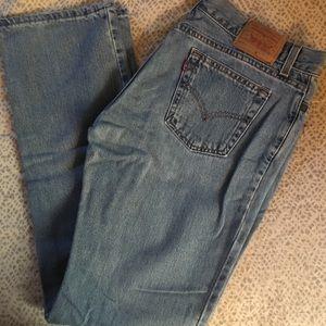 23ec47dccba Women Levis Jeans Near Me on Poshmark